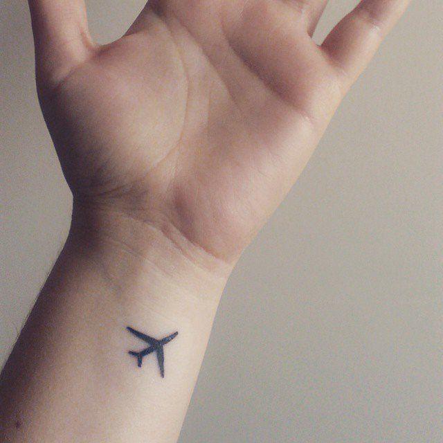Hình xăm máy bay mini, mẫu hình xăm mini máy bay cho dân du lịch