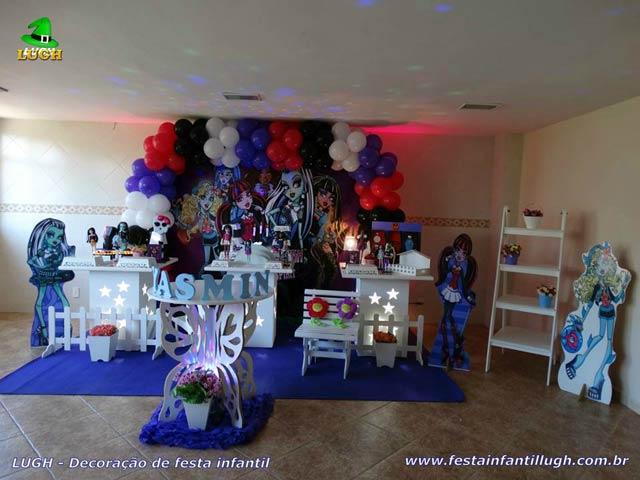 Decoração provençal simples - Aniversário tema Monster High - Festa infantil feminina