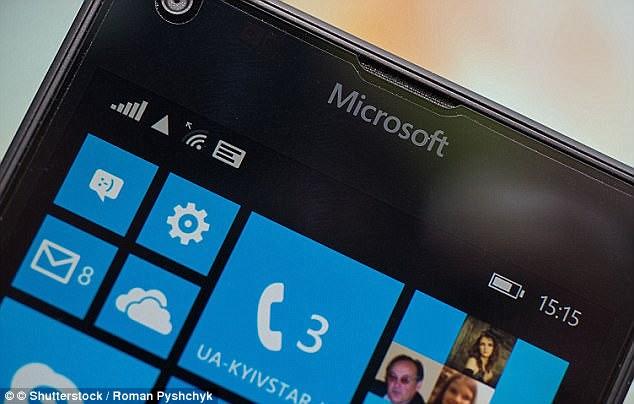 مايكروسوفت تدعو مستخدمي هواتفها للانتقال للاندرويد او الايفون