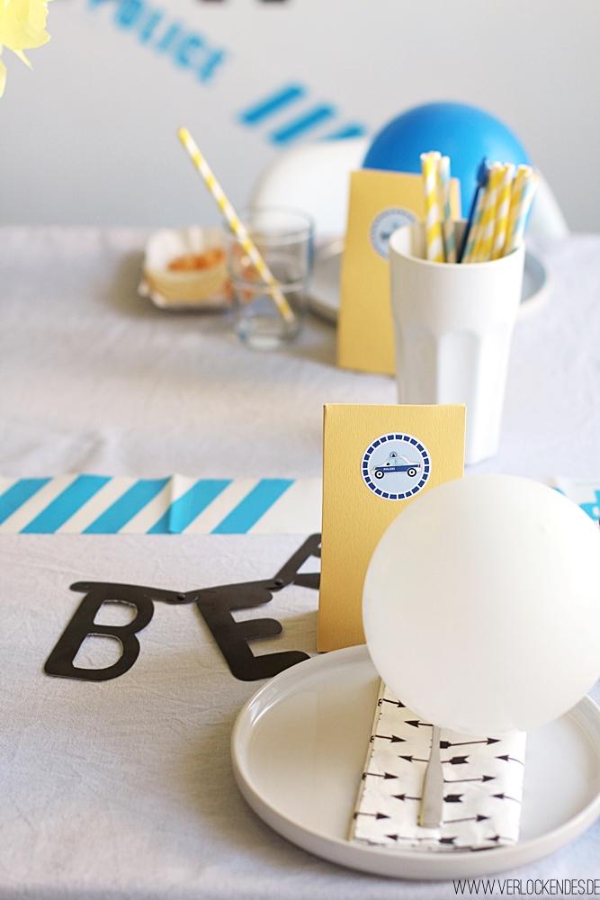 gelb blaue Tischdeko Kindergeburtstag