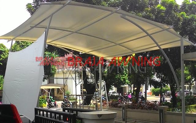 Tenda membrane di ruang publik