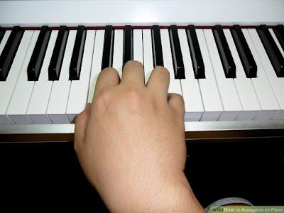 Cách chơi rải hợp âm trên piano
