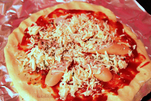 Home made pizza base: with my kinda toppings :-) | Kukskitchen