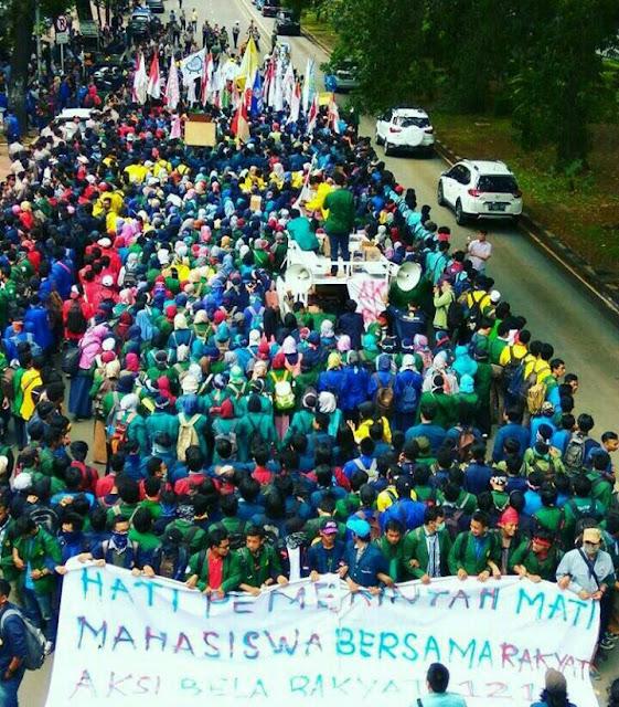 Inilah Kumpulan Foto Aksi BEM Seluruh Indonesia