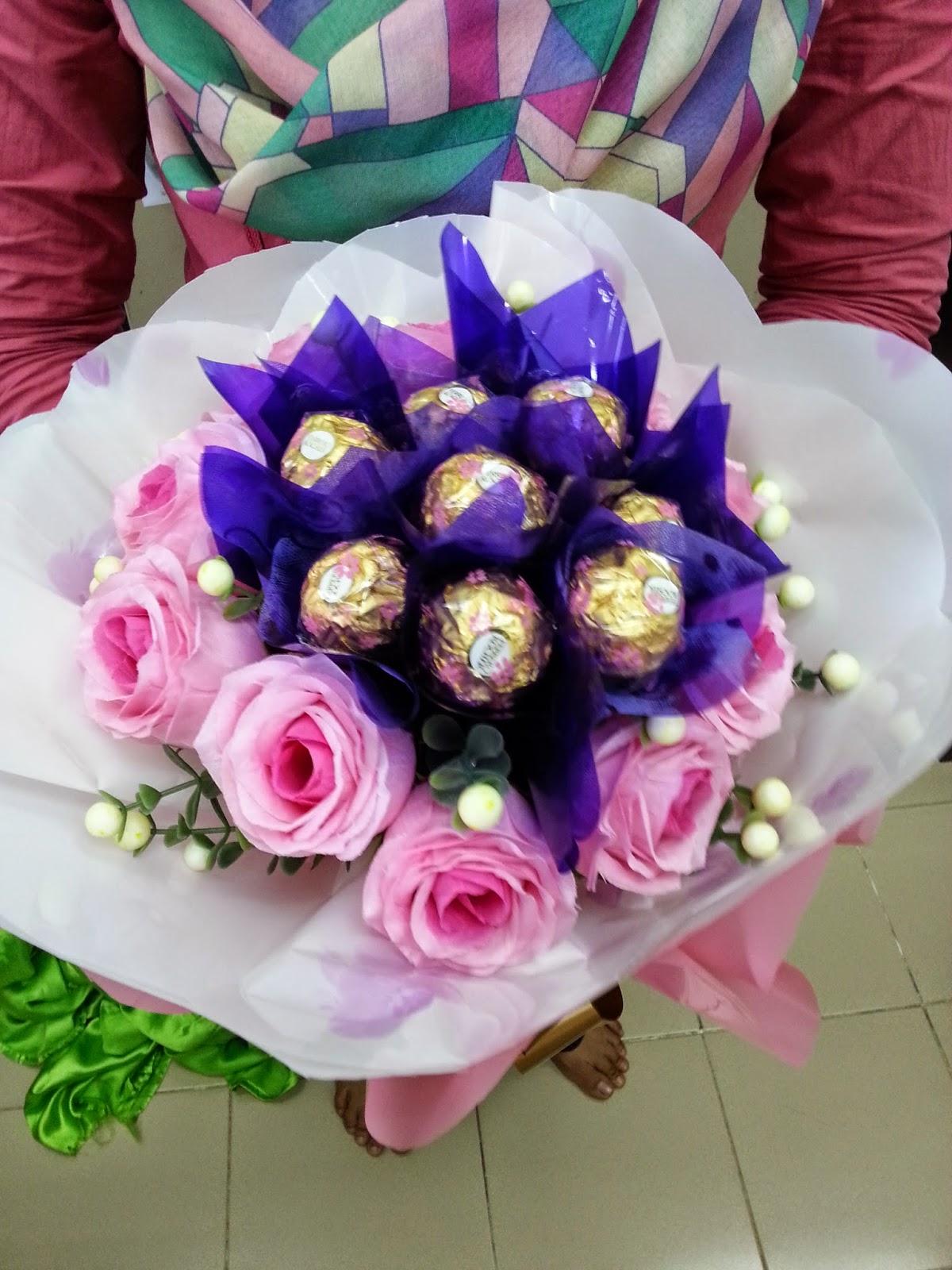 Seri Dira Homemade Jambangan Bunga Coklat