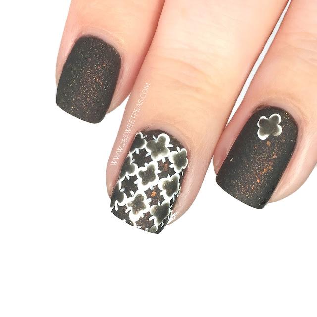 Quatre Foil Nail Art