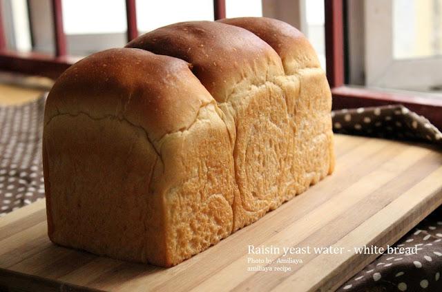 Raisin yeast water bread