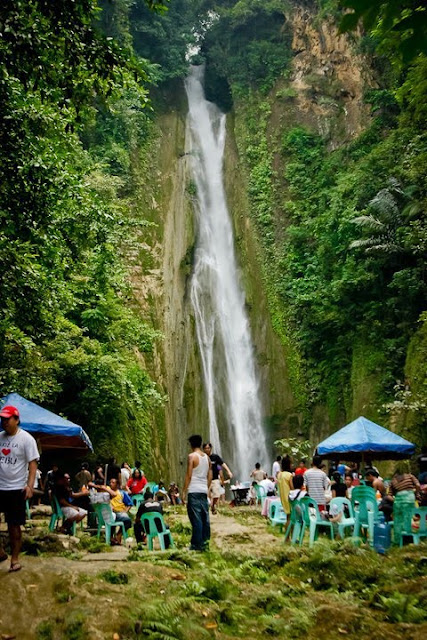 What To Do in Cebu for a Dollar: visit Mantayupan Falls