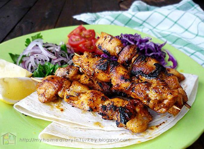 Tavuk Şiş Kebabı / Turkish Style Chicken Sish Kebabs
