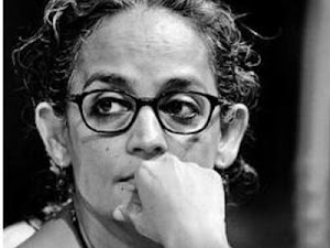 Arundhati Roy among 200 writers who appealed to Indians to vote out hate politics