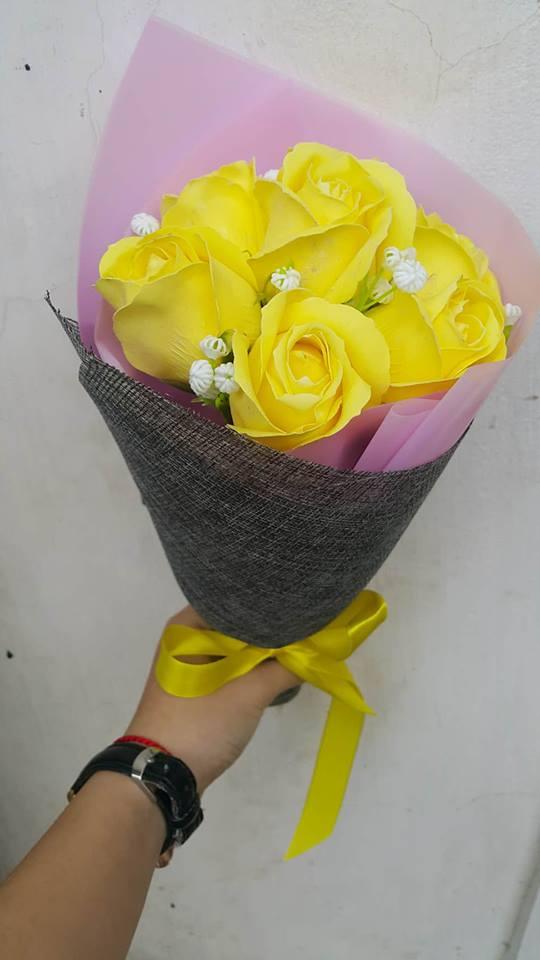 Hoa hong sap thom vinh cuu o Hang Chieu