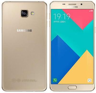 Spesifikasi Galaxy A9 Pro 2016       Galaxy A9 Pro 2016 telah mengadopsi sistem operasi terbaru saat ini yaitu Android Marshmallow versi 6.0.1. Sistem operasi terbaru dipacu dengan dapur pacu yang powerful dan memiliki spesifikasi tinggi. Samsung mempercayakannya pada Qualcomm melalui chipset Snapdragon 652 octa core.  Sebagai informasi teknis, chipset Snapdragon 652 memiliki dua blok CPU yang masing-masing bekerja pada kecepatan 1,8GHz dan 1,2GHz. Kemudian dikonfigurasikan dengan GPU Adreno 510 untuk menangani tampilan grafisnya. Mantap bukan? Pantas jika harga Samsung Galaxy A9 Pro 2016 terbaru dibanderol cukup tinggi.   Apalagi didukung dengan resolusi tinggi setara kualitas full HD atau 1080 x 1920 piksel dengan kepadatan piksel mencapai 367ppi. Tentu bisa kalian perkirakan, seperti apa tajamnya layar Galaxy A9 Pro.   Kelebihan Samsung Galaxy A9 Pro 2016 Chipset Snapdragon 652 octa core Kapasitas RAM sebesar 4GB Kapasitas memori internal sebesar 32GB Sistem operasi terbaru Android Marshmallow v6.0.1 Ukuran layar besar 6 inci, cocok untuk bermain game atau menonton video HD Resolusi layar setara kualitas full HD Kepadatan piksel layar cukup tinggi Proteksi layar Gorilla Glass 4 Proteksi panel belakang Gorilla Glass 4 Resolusi kamera utama 16MP Kamera utama mendukung optical image stabilization Resolusi kamera depan sebesa