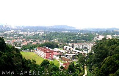 Pemandangan dari Jambatan Tertinggi di Malaysia Rawang Bypass