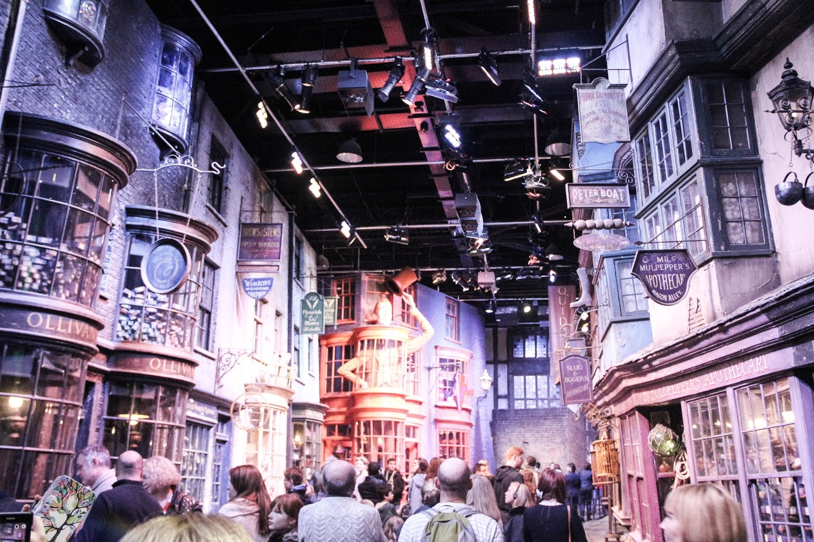 Explorez le Chemin de Traverse dHarry Potter sur Google Street View