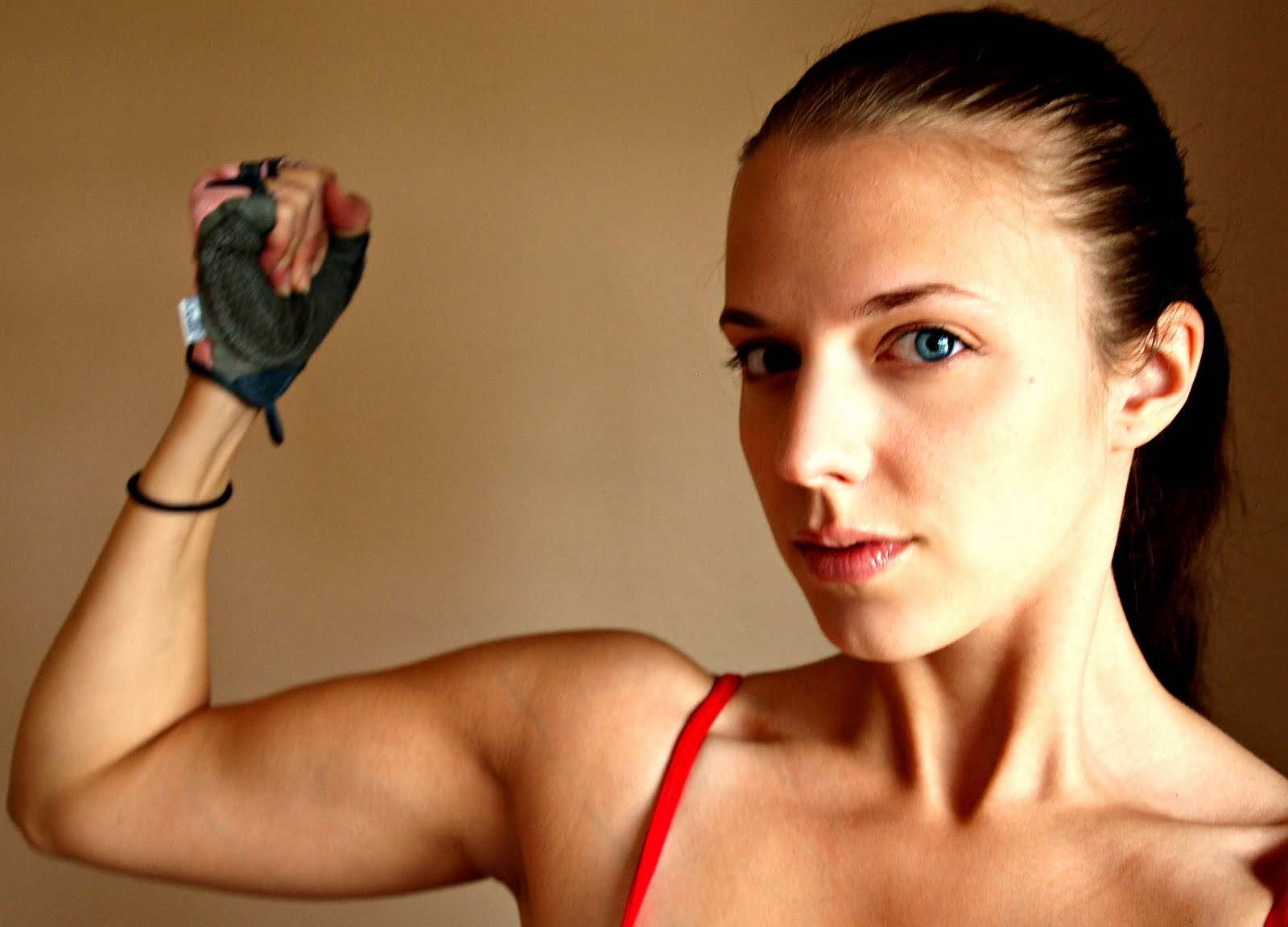 Bri Gets Lean With Beachbody Chest Shoulder And Triceps