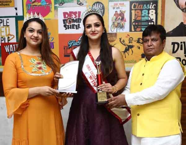 ईशा गुलाटी ने जीता मिसेस इंडिया यूनिवर्स