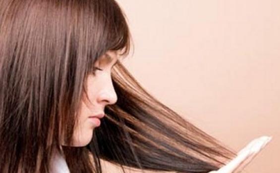4 Merk Shampo Anti Ketombe Yang Harus Anda Coba