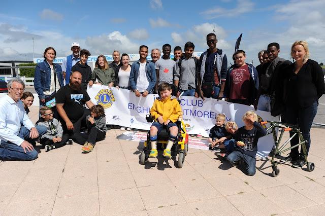 http://www.lavoixdunord.fr/186997/article/2017-07-04/des-tours-de-circuit-pour-des-jeunes-atteints-de-maladies-rares