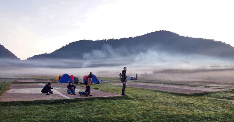 Tempat Camping Asyik di Bandung Raya