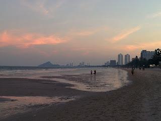 Abendsonne am Strand von Hua Hin