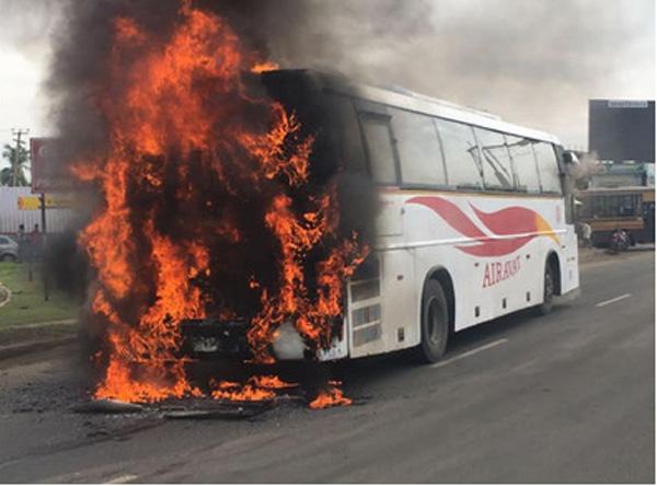 Bengaluru-Chennai KSRTC Volvo bus catches fire, Bangalore, News, Passengers, Chennai, Technology, National, Accident