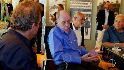 Presidente da Petrobras visita Bacia de Campos e Macaé