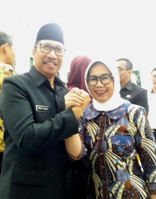 "Dedy  Taufik : Tagline DISPARBUD Jabar "" Smilling West Java"""