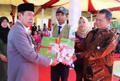 "Hardiknas Momen Canangkan Program Budaya Baca ""Baruga Tomacca"""