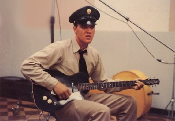 Craigslist Vintage Guitar Hunt Great Pic Of Elvis Playing
