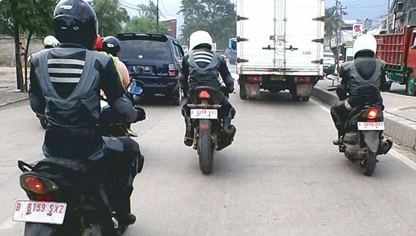 Yamaha Mio Z dan motor fairing mirip R15 Sedang di tes di Jalan