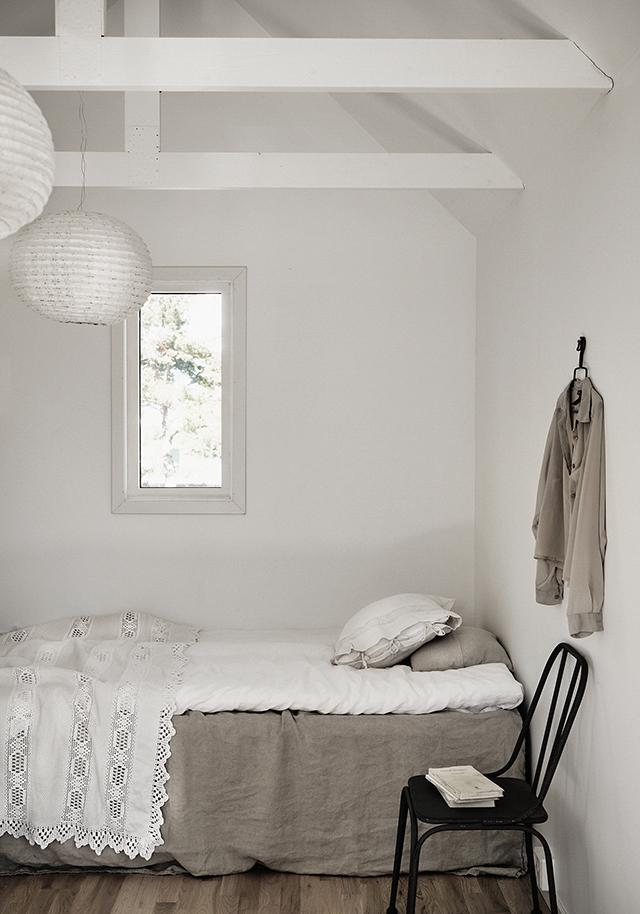 Minimalist Romantic Bedroom