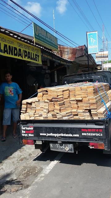 Jual kayu jati belanda / Pinus murah