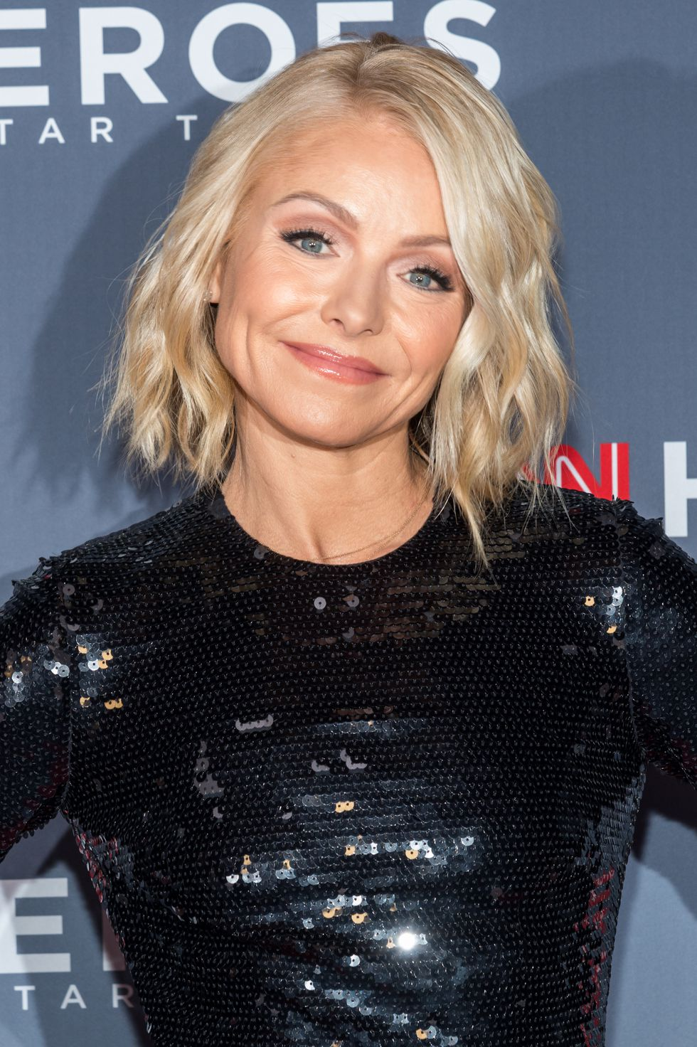 Short Haircuts by Kelly Ripa