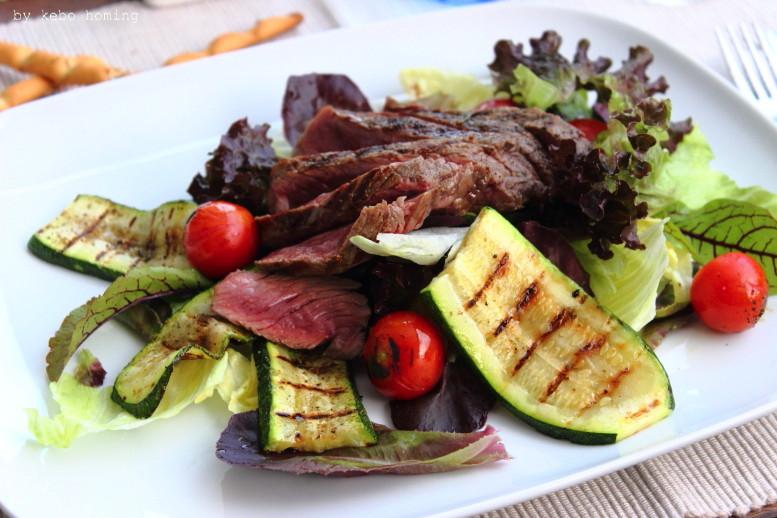 Typisch für im Juli... Sommerzeit, Grillzeit, die perfekte Tagliata di Manzo, Rumpsteak vom Grill, Rezept bei kebo homing, Südtiroler Food- und Lifestyleblog, Foodstyling, Photography, Blogevent, Linkparty,