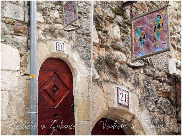 Haustür Dekoration Aigueze Frankreich