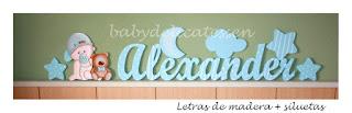 letras de madera infantiles para apoyar Alexander con silueta de bebé y osito babydelicatessen