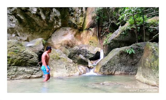 FaceCebu Blogger, Mark Monta at Montaneza Waterfalls