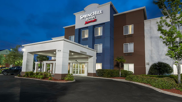 Close to downtown Baton Rouge and Tiger Stadium, home to LSU football, SpringHill Suites Baton Rouge South is a great choice among Baton Rouge hotels to experience genuine Southern hospitality.