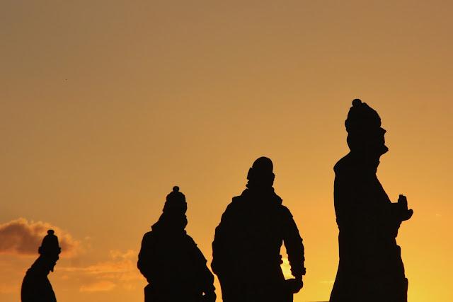 Pôr do Sol em Congonhas do Campo com os profetas de Aleijadinho