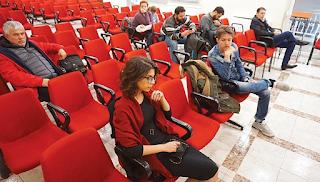 8 άτομα στην εκδήλωση της Νεολαίας ΣΥΡΙΖΑ για τη συμφωνία των Πρεσπών