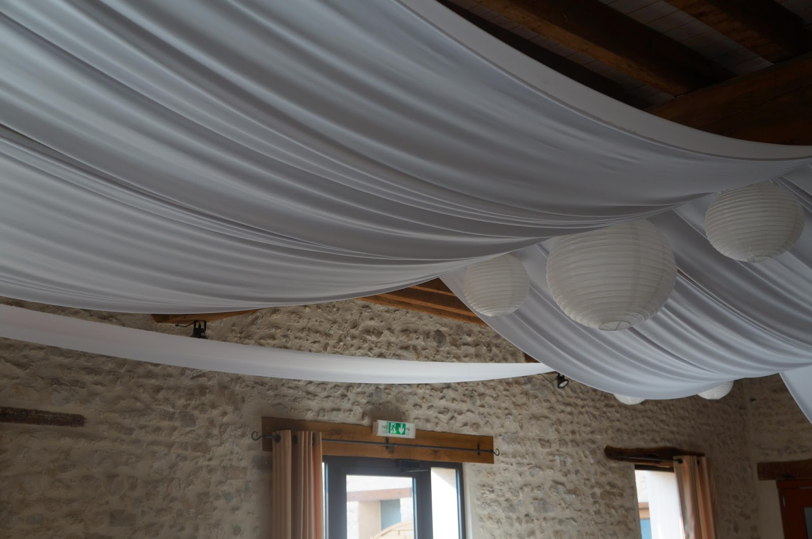 decoration anniversaire d coration salle anniversaire f te anniversaire anniversaire d co. Black Bedroom Furniture Sets. Home Design Ideas