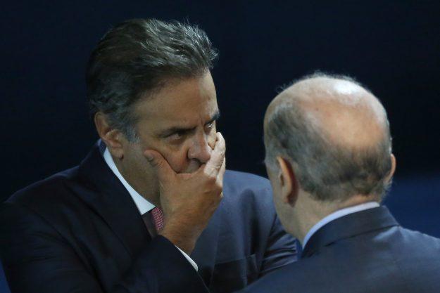 Senado nega estar descumprindo decisão do STF de afastar Aécio