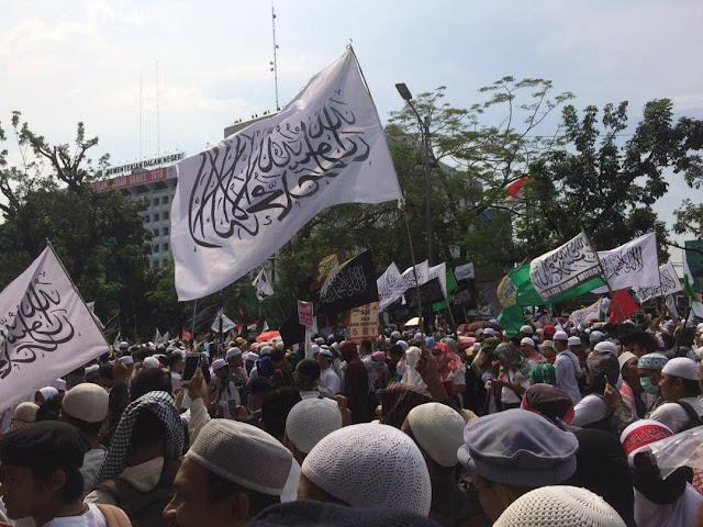 Ratusan Ribu Massa Aksi Simpatik 55 di Jakarta Terus Berdatangan Padati Kawasan MA