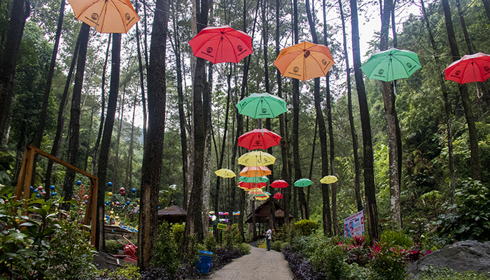 Jelajah Srambang Park Ngawi, Taman Instagramable di Timur Laut Lawu