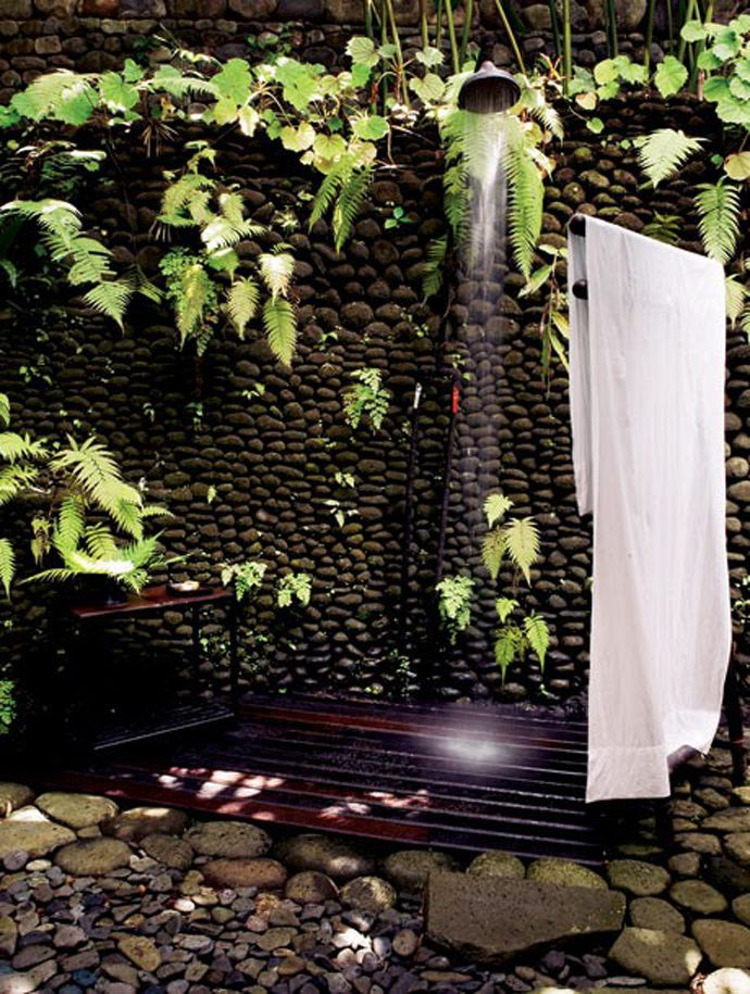 pebbles-with-ivy-shower-outdoor