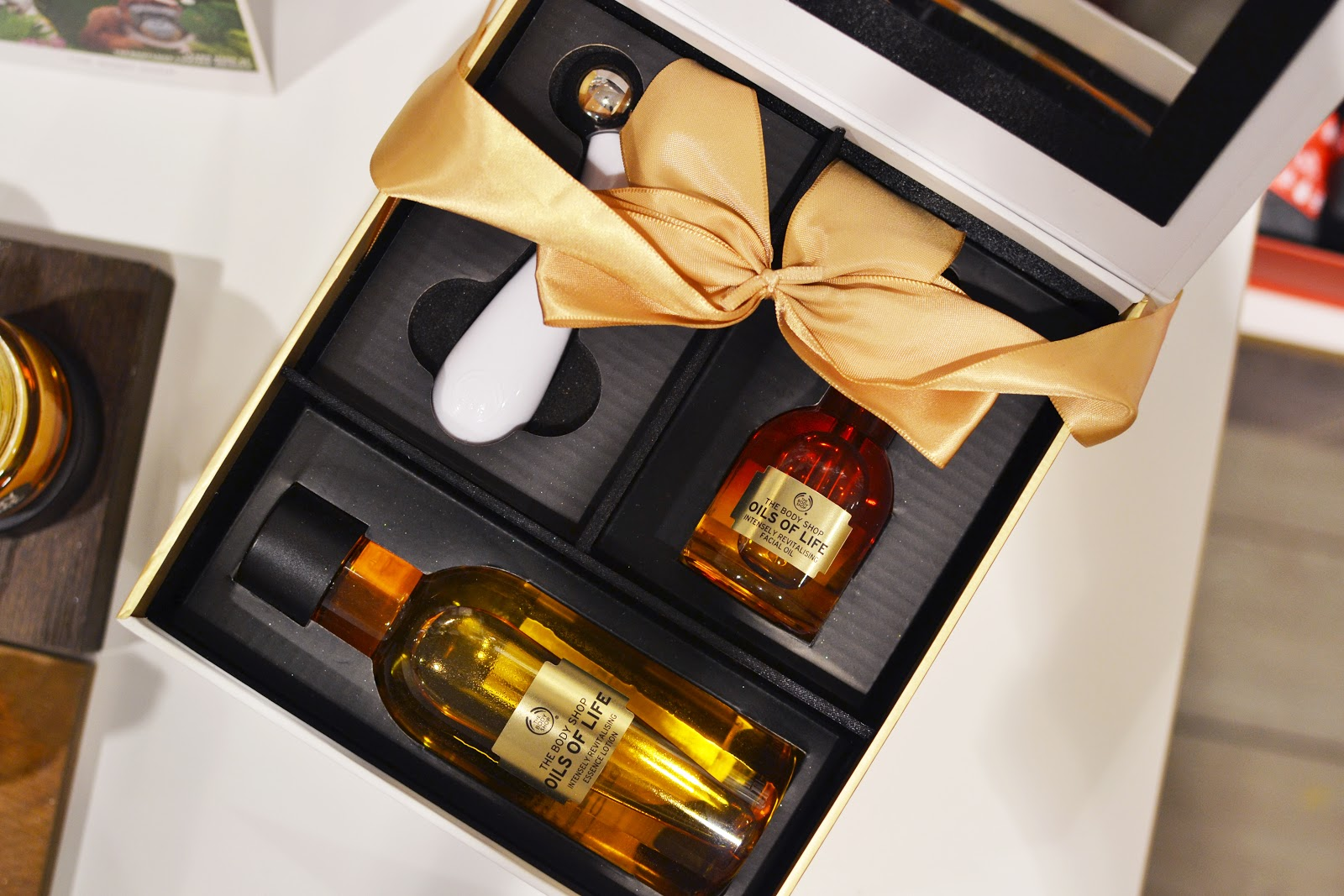 the body shop oils of life gift set