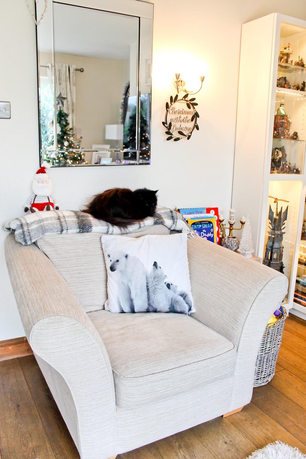 christmas home decor tour, christmas pillows, christmas cushions