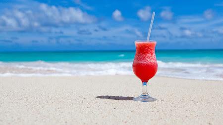 Exotic Cocktail on Caribbean Beach UHD