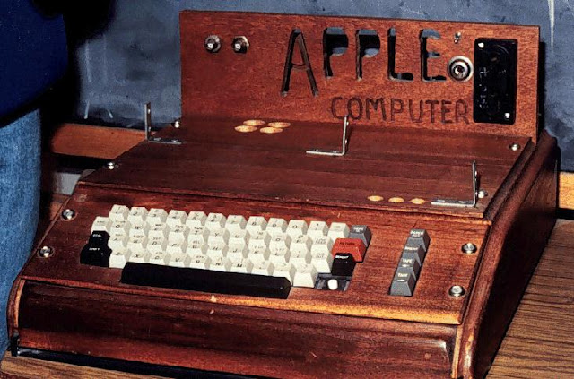http://www.geekyharsha.in/2015/09/apple-1-computer-built-by-steve-jobs-to.html#