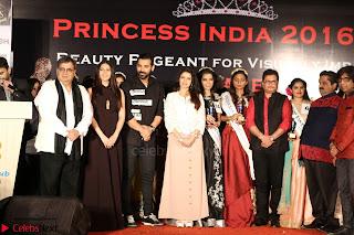 John Aham, Bhagyashree, Subhash Ghai and Amyra Dastur Attends Princess India 2016 17 Part2 010.JPG